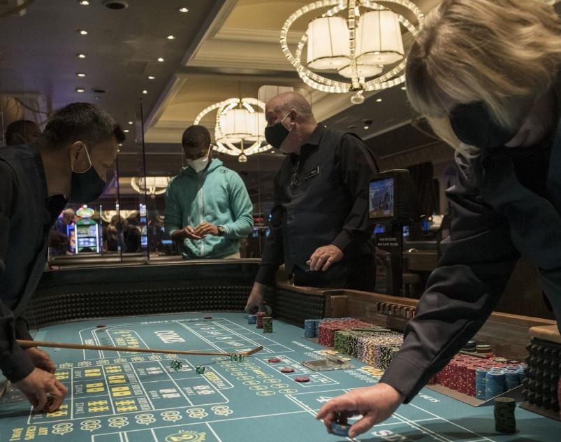 Las Vegas back in business as Casinos Reopen